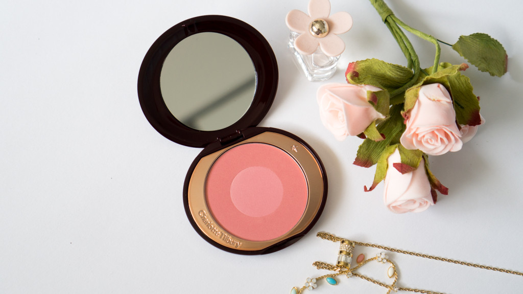 charlotte tilbury cheek to chic swish pop blusher love glow macarons and mischief-2