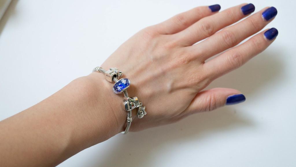 1c8884895 How Do You Put Charms On A Pandora Bracelet